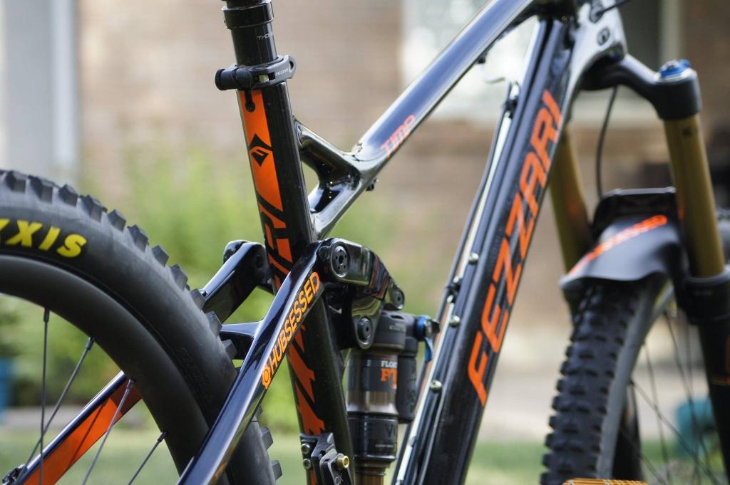 Fezzari Timp Peak X1-hubsessed-cycle-works-fezzari-timp-peak-nobl-carbon-rear-shot.jpg