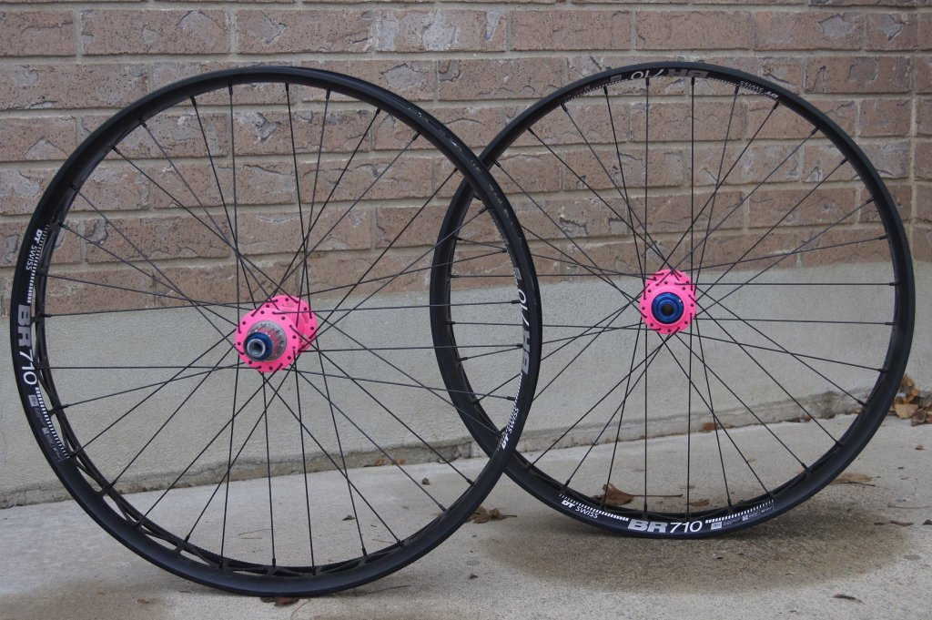 Surly ICT thread-hubsessed-cycle-works-onyx-racing-hubs-flo-pink-dt-swiss-br710-side.jpg