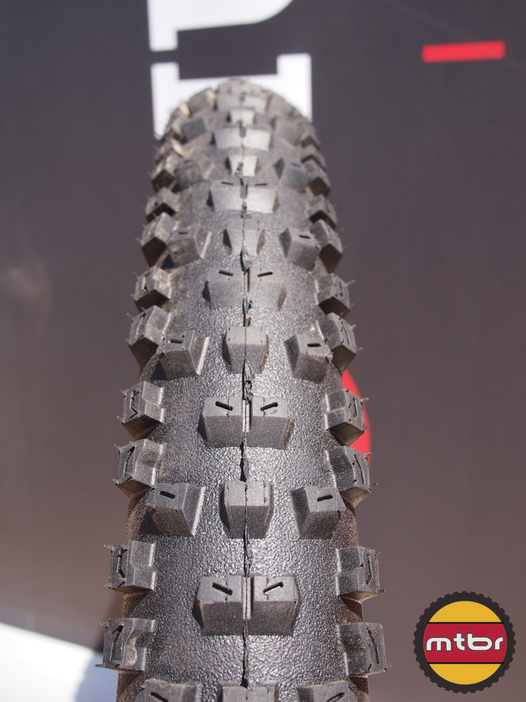 Hutchinson Squale DH Tire - tread close-up