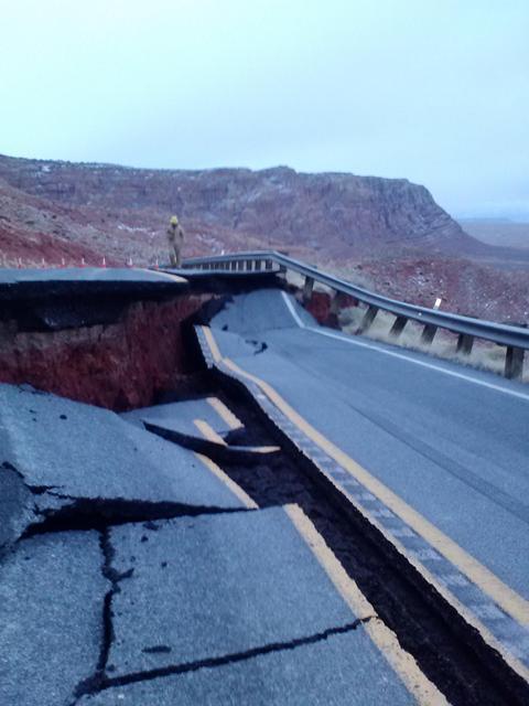Landslide closes HWY 89 south of Page.-hw89_landslide1.jpeg