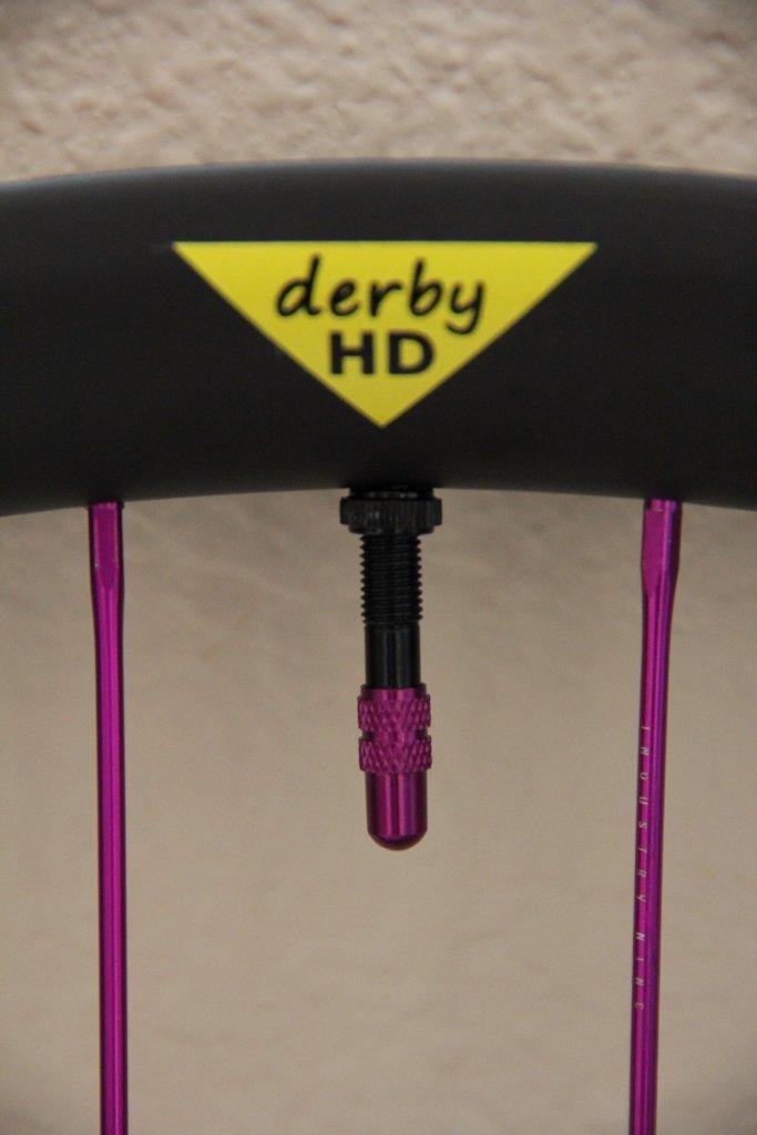 650b x 40mm carbon fiber DERBY RIMS Grand Opening-i9-valve-stem.jpg