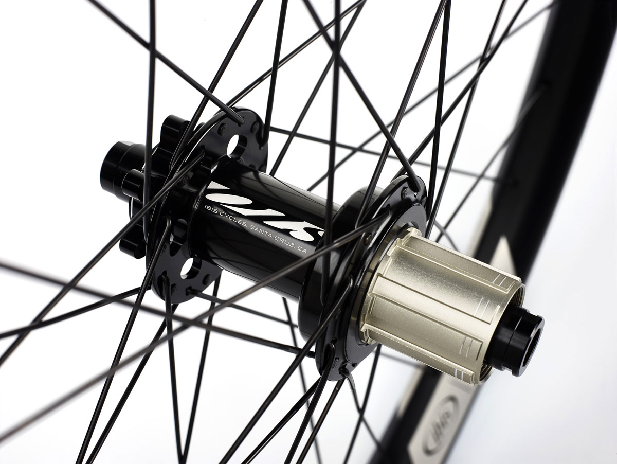 The alloy wheelsets come with house brand hubs.