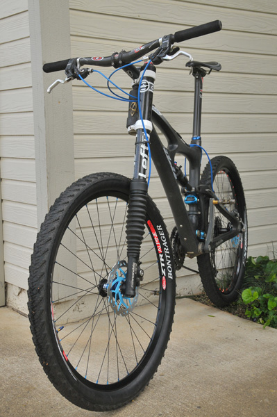 New Lefty-ied 2011 Epic-ibismojo_21_8_lb_bike.jpg