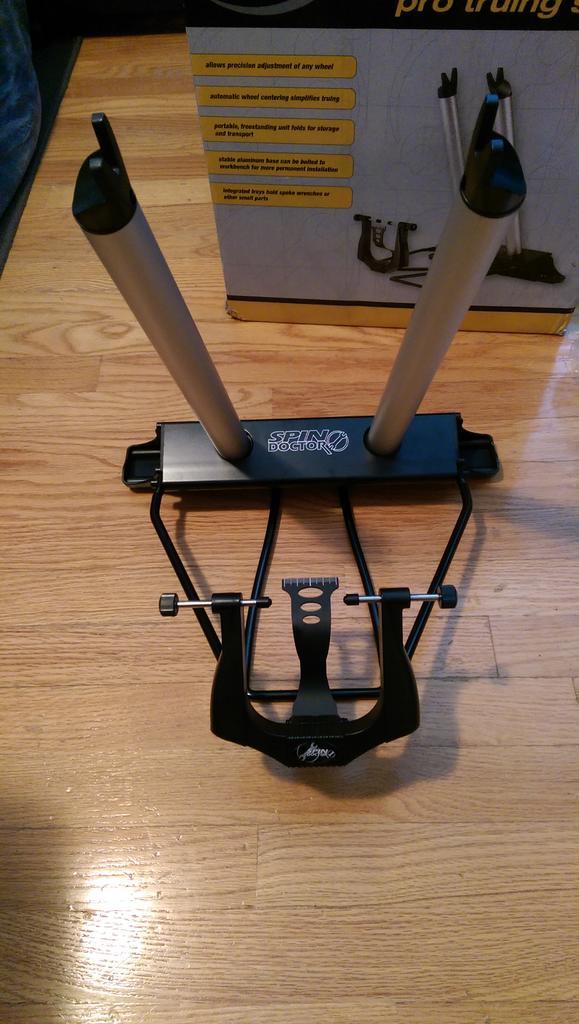 Cheap truing stand-imag0012.jpg