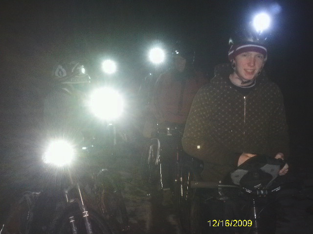 22 Degrees, 7 Hearty Souls, 2 Dogs, Cookies, Christmas on the trails at mOOn-imag0119.jpg