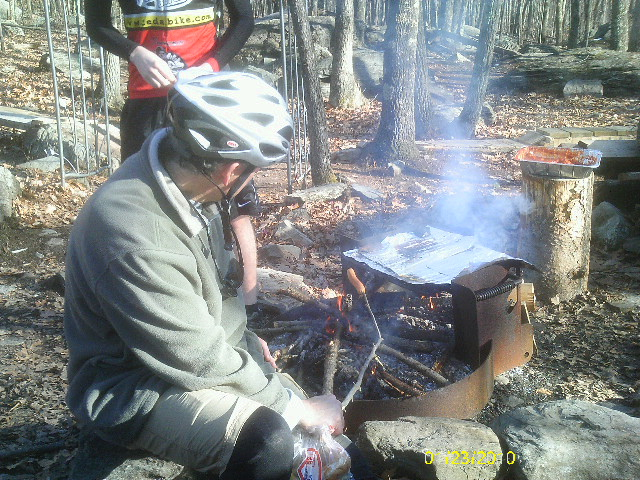 mOOn Lake Park Saturday ride/cookout 1/23/10-imag0614.jpg