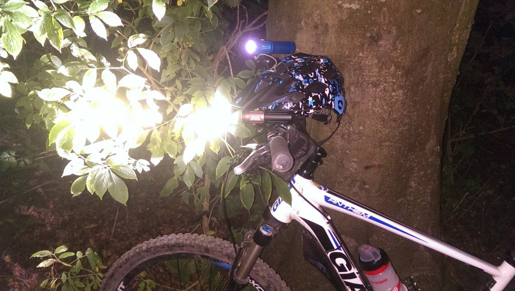 Full Review: ITUO WIZ 1 & 2 900 Lumens USB rechargeable and wireless bicycle light-imag3541.jpg