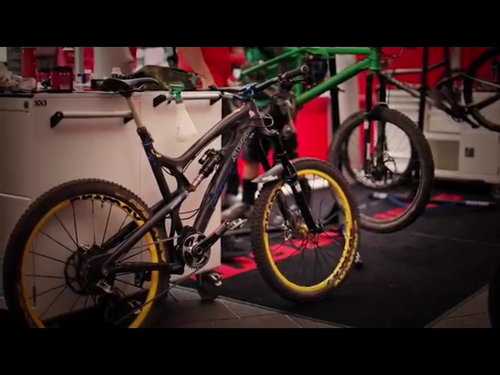 Spotted in Whistler... a new 650B Nomad-image.jpg
