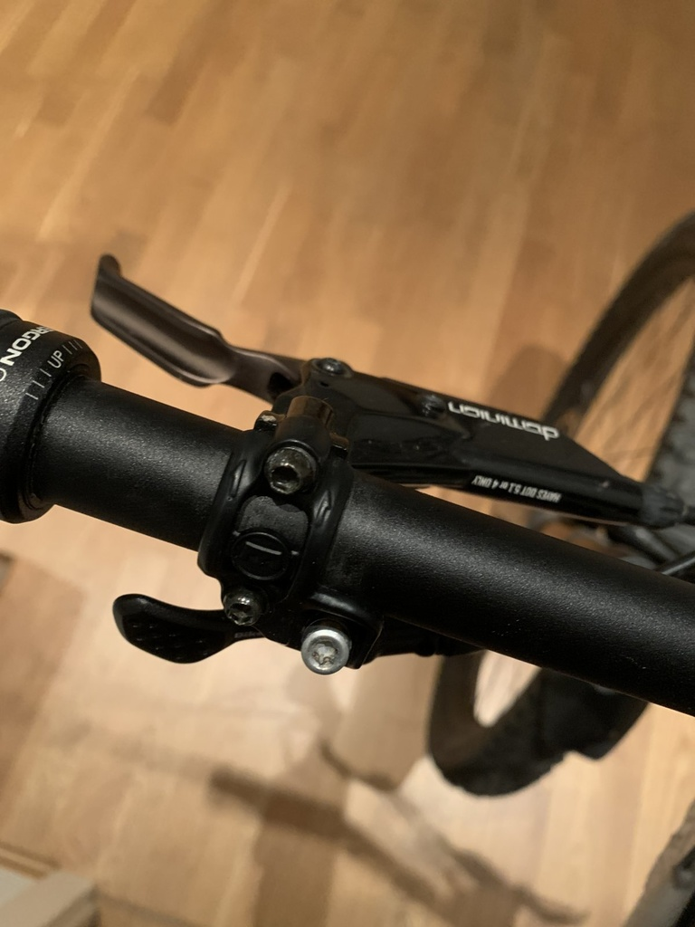 Hayes are back.  Dominion 4 piston released at Eurobike.-image1.jpg