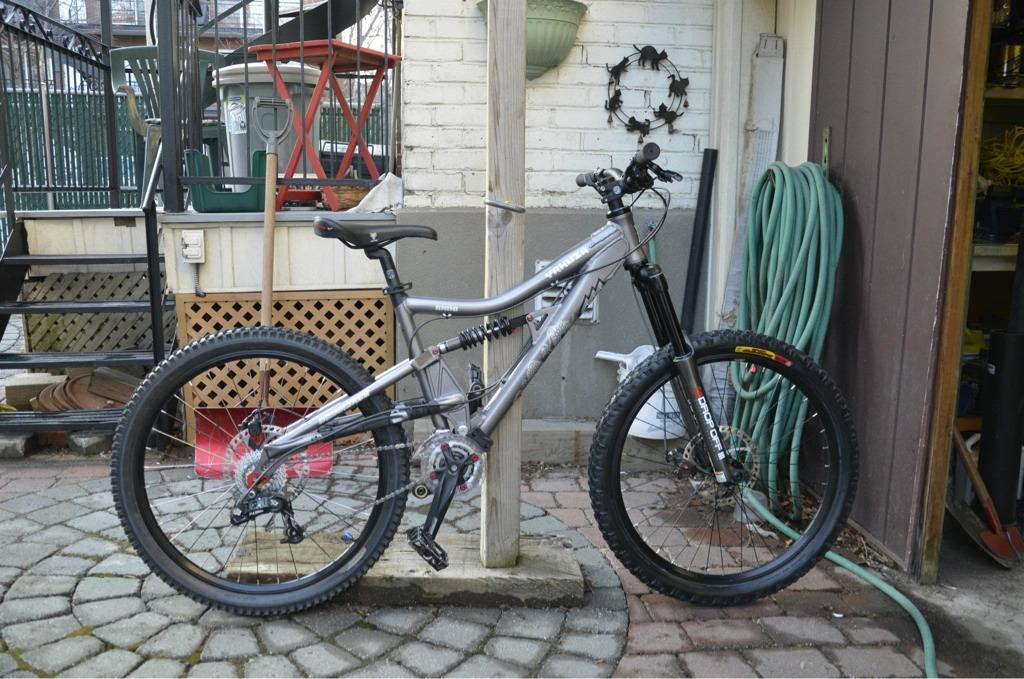 Too clean to be true (I love my bike)-imageuploadedbytapatalk1332563033.950799.jpg