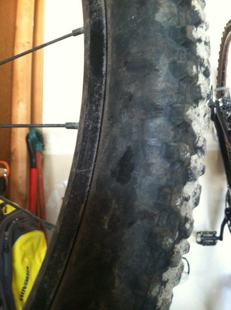 Are Maxxis Ignitors still experiencing bubble problems? What's good & light?-imageuploadedbytapatalk1363242505.642113.jpg