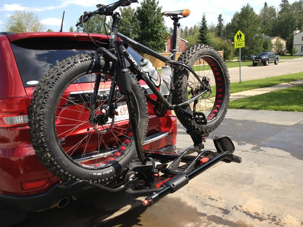 Blog & News - Thule XTR T2 vs. Yakima Holdup Hitch Bike Racks (Updated)