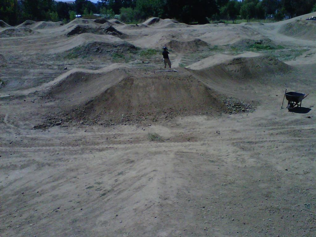 Pleasanton Bike Park Dig Day. Pump Track savant needed.-img-20110806-00077.jpg