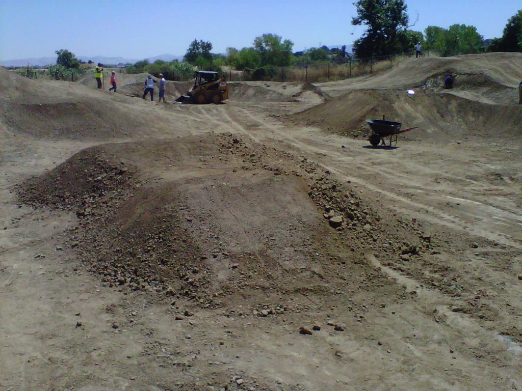 Pleasanton Bike Park Dig Day. Pump Track savant needed.-img-20110806-00085.jpg