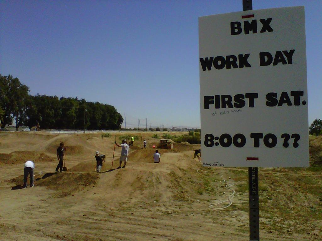 Pleasanton Bike Park Dig Day. Pump Track savant needed.-img-20110806-00087.jpg