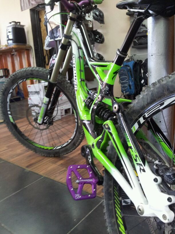 Is this the Crampon 2 pedal?-img-20120716-wa0009.jpg