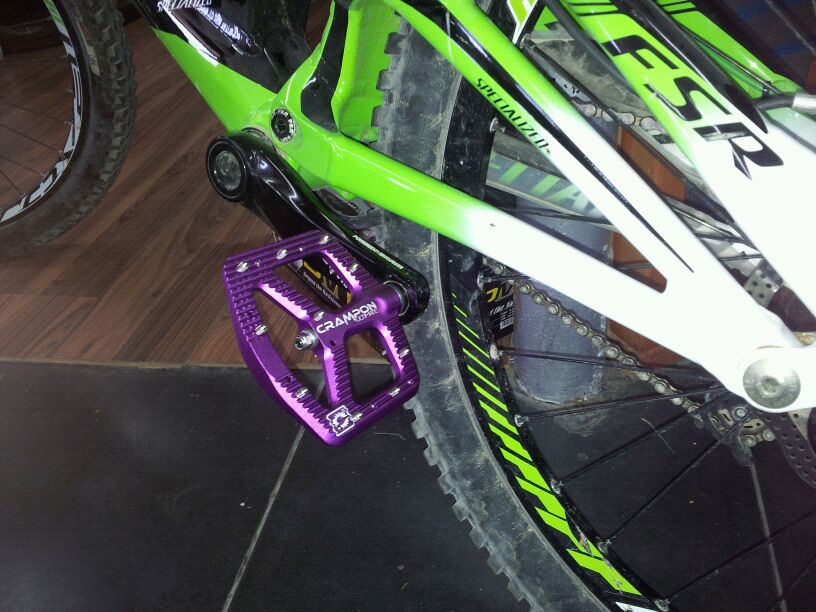 Is this the Crampon 2 pedal?-img-20120716-wa0010.jpg