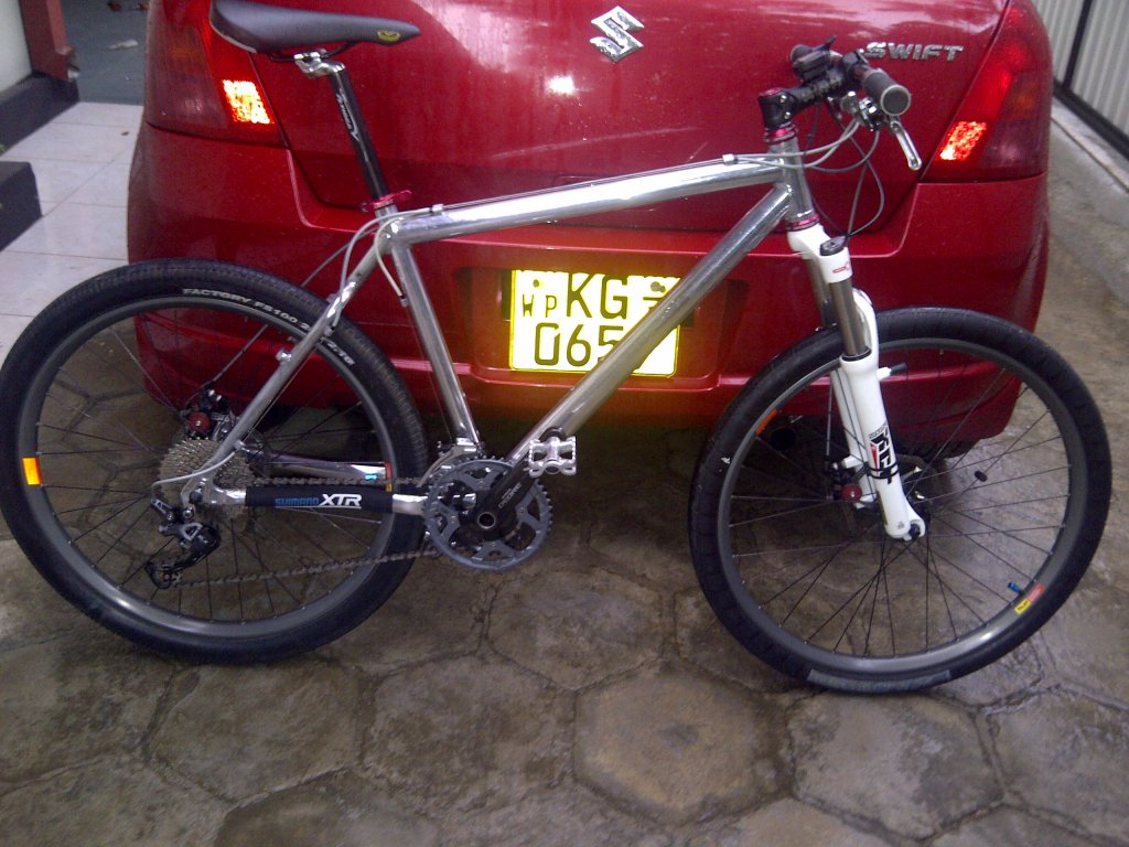 Need Help Identifying this bike.-img-20131013-00067.jpg