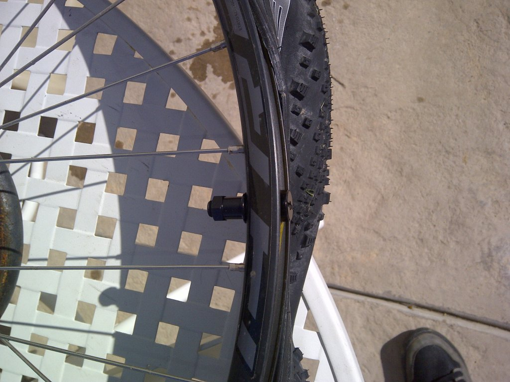Are my stock Specialized rims Tubless Ready?-img-20140308-00610.jpg