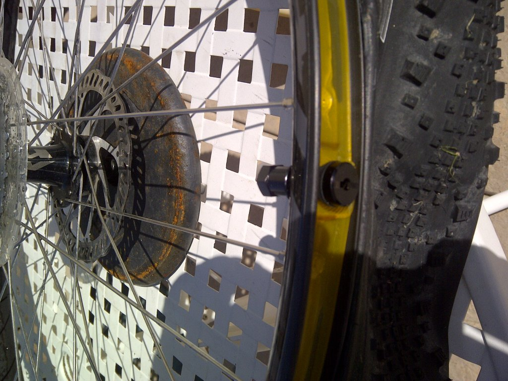 Are my stock Specialized rims Tubless Ready?-img-20140308-00612.jpg