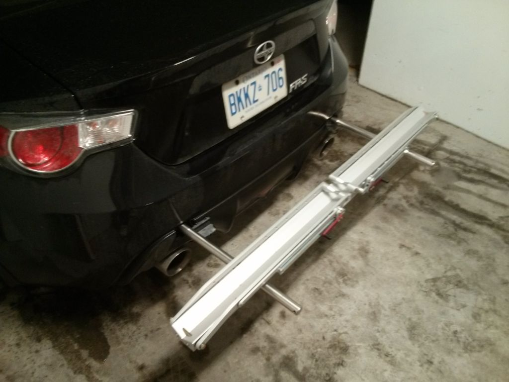Anyone have a car hitch designed specifically for bikes, not for pulling trailers?-img20130227181442.jpg