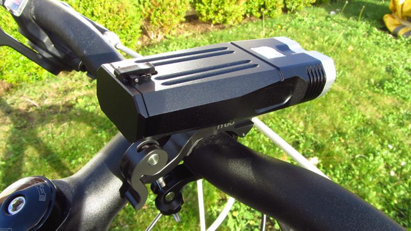 User 2 REVIEW - ITUO WIZ20 twin xm-l2 u3 1500 lumens wireless bike light-img_0028.jpg