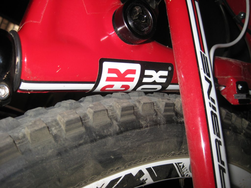 Intense Carbine 27.5: Rear tire rubbing seat tube on bottoming out?-img_0081.jpg