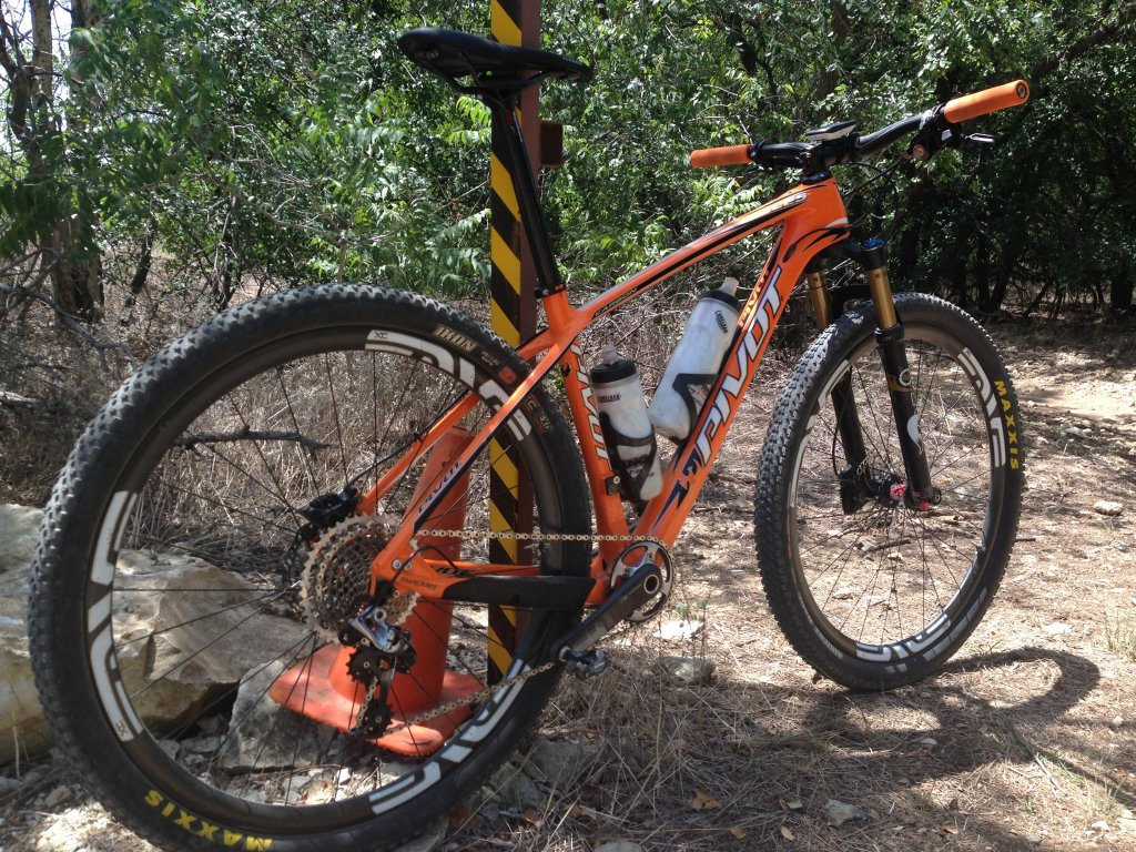 Early Mach 4 Carbon Reviews...-img_0091.jpg