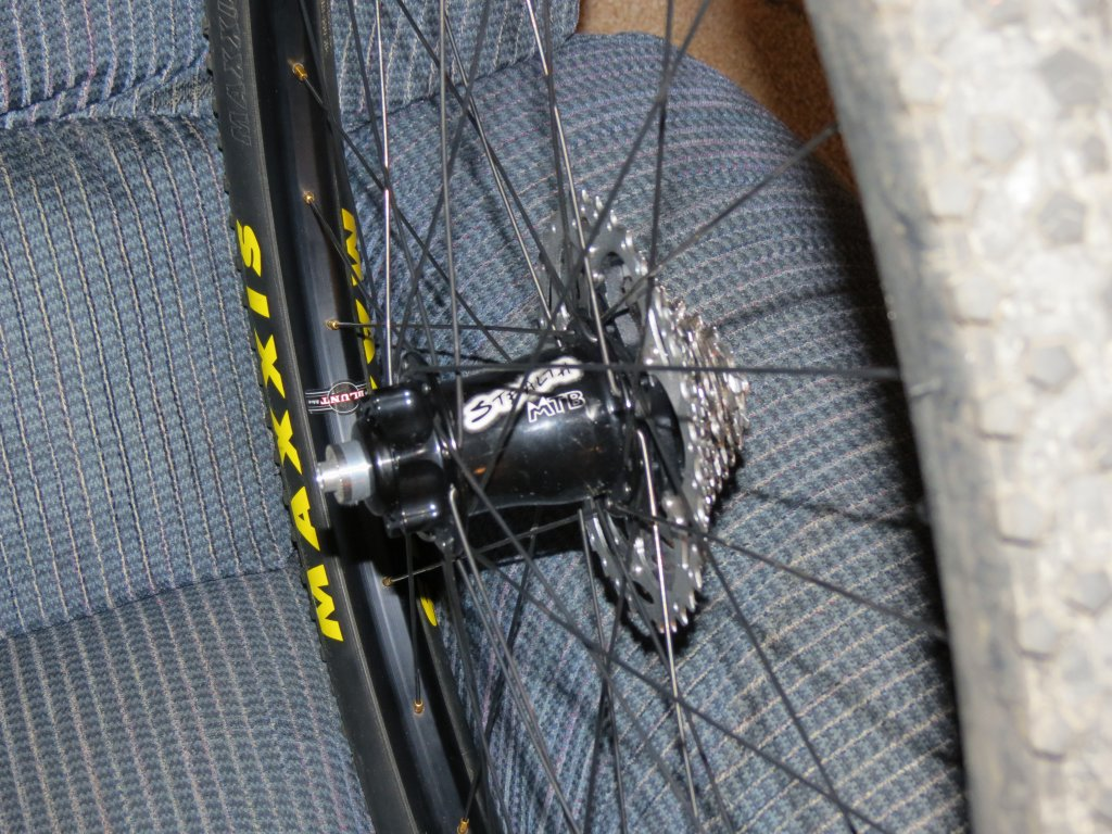 Lets see some blinged out wheelsets..I9,CK,Hope..anything goes!-img_0098.jpg