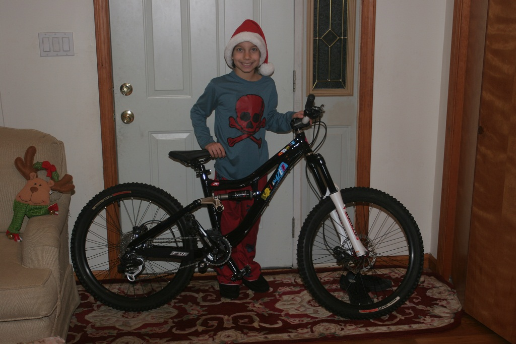 Nothing says Merry Christmas to my son like a new Gromhit!-img_0146u.jpg