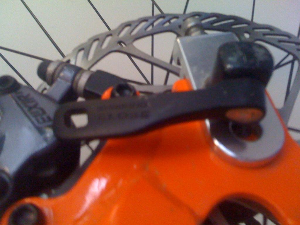 Chain tensioners and disc brakes-img_0200%5B1%5D.jpg