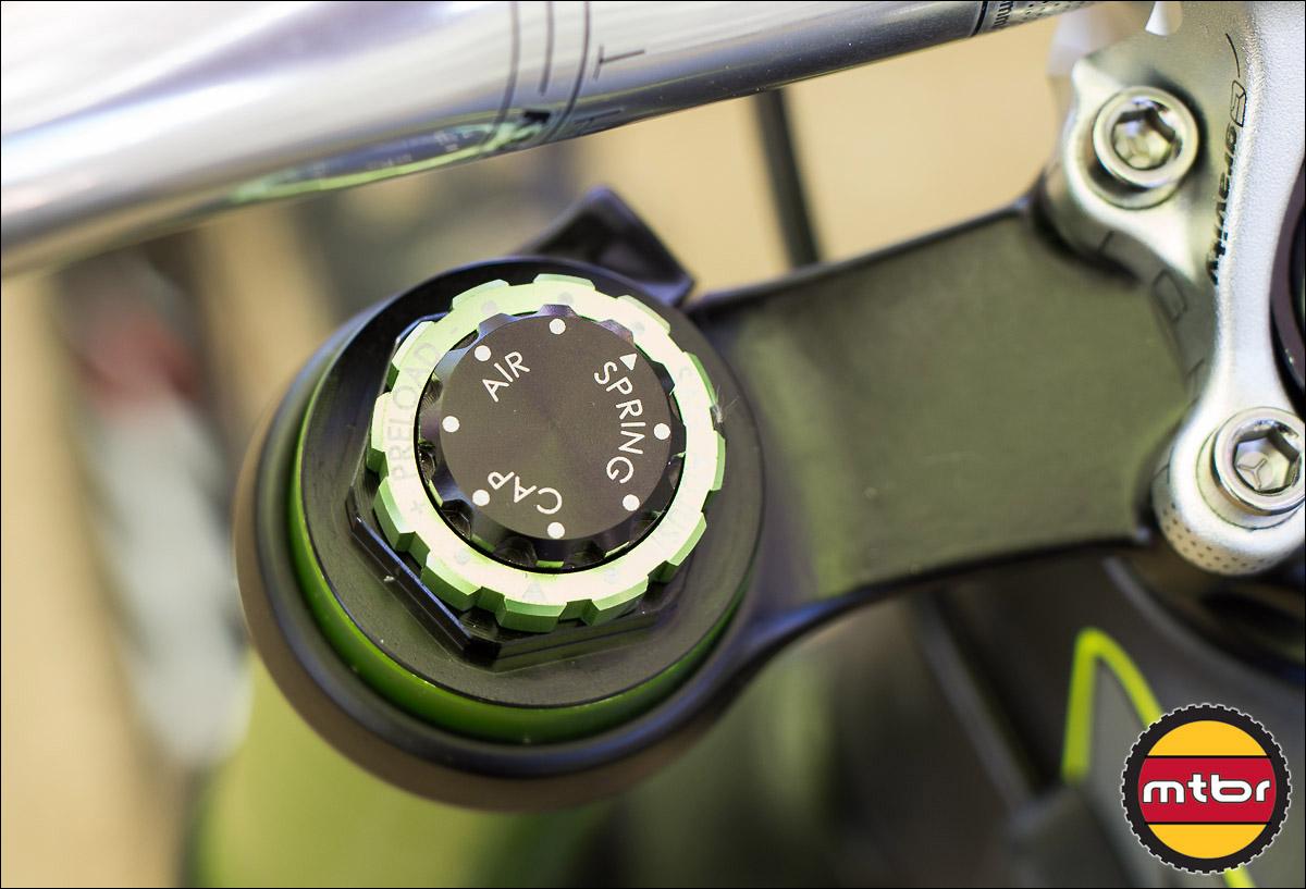 DVO Emerald Fork - Air Cap