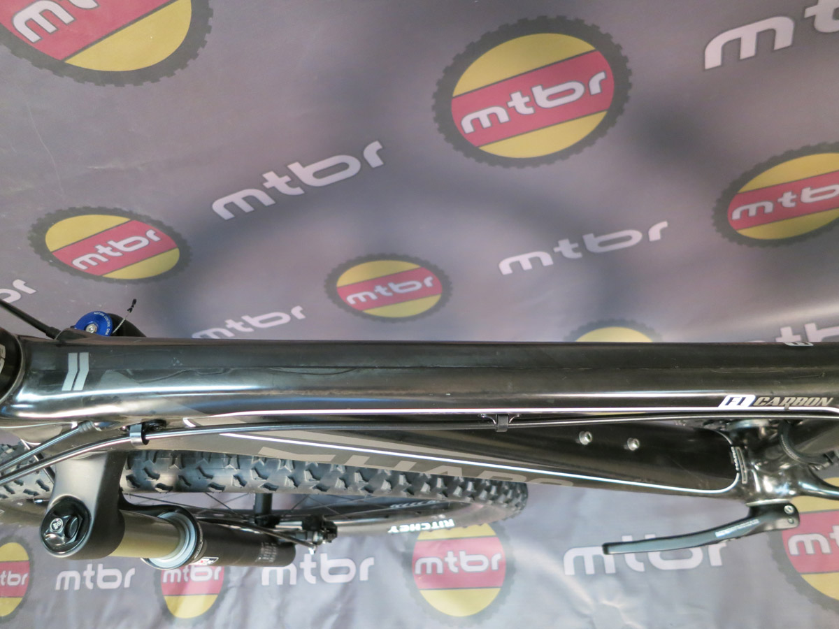 Haro FLC 29 Pro - top tube