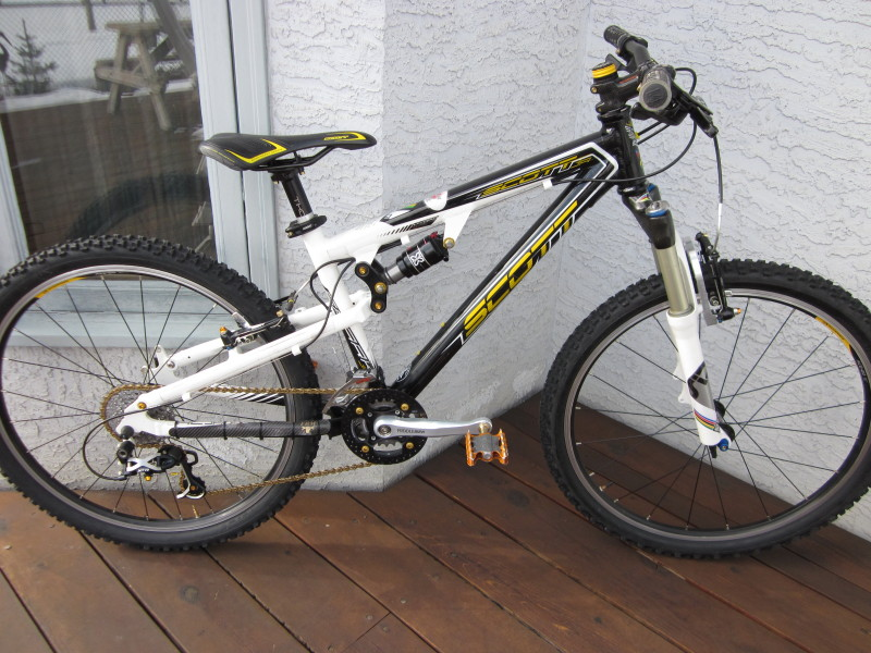 Why is there a high demand for old school Rockshox Sid Worldcups?-img_0328_1.jpg