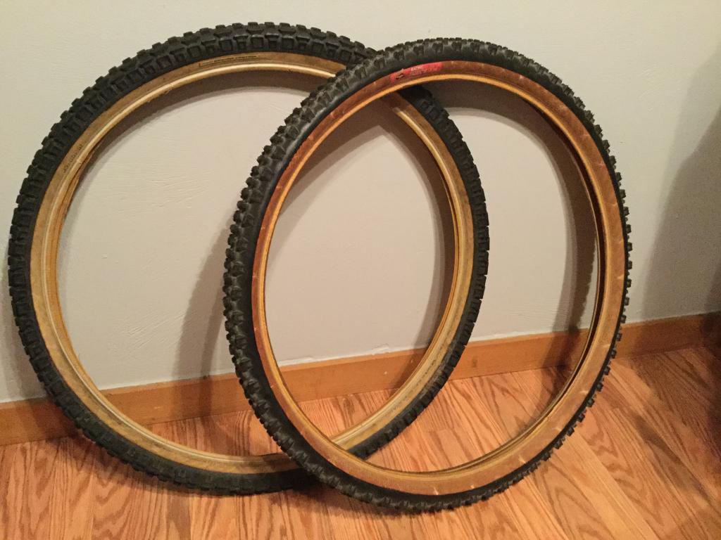 Gum/tan/skin wall tires - let's see them!-img_0336.jpg