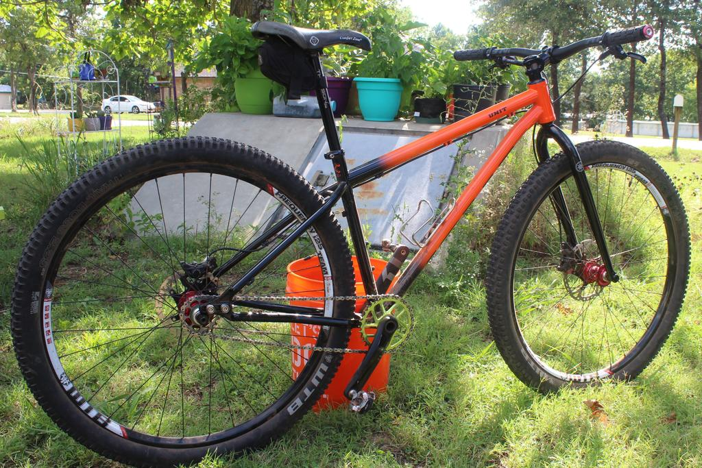 Can short people ride 29'ers?-img_0351.jpg