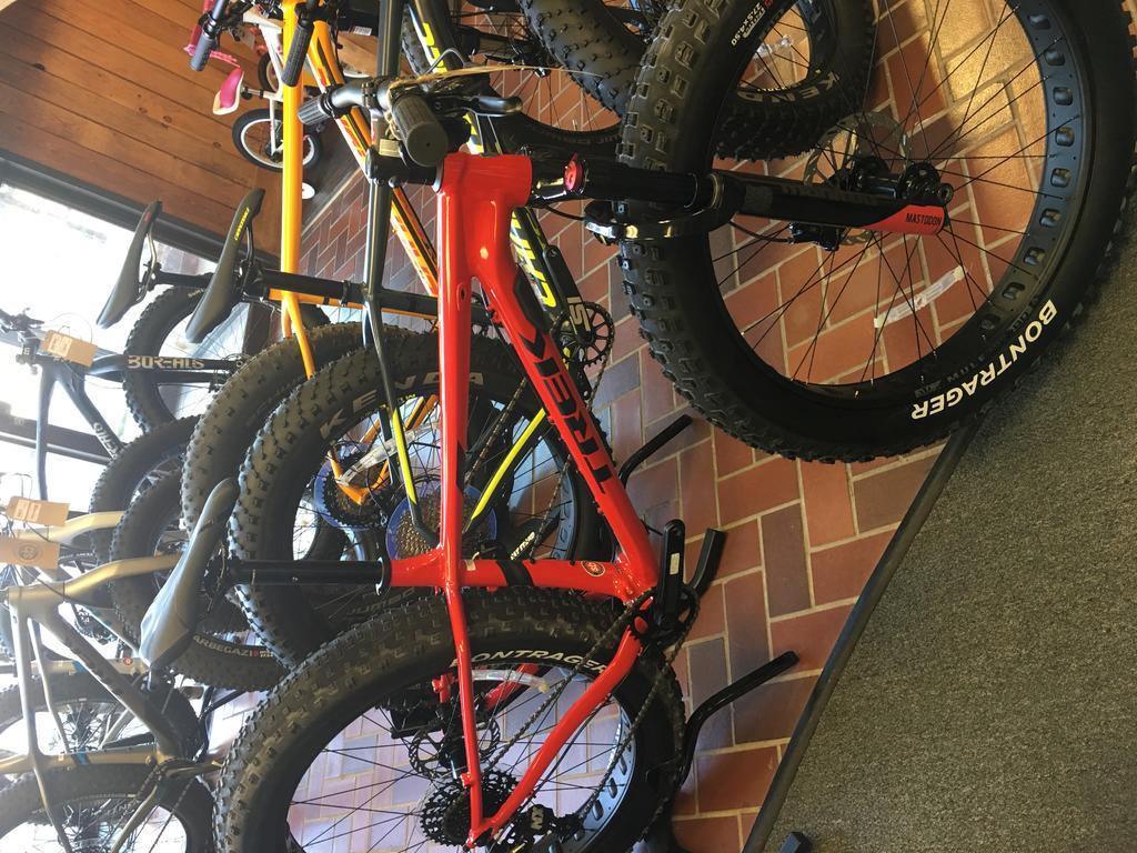 2016 Trek Farley 5, 7, 9, 9.6, and 9.8 Fat Bikes-img_0388.jpg
