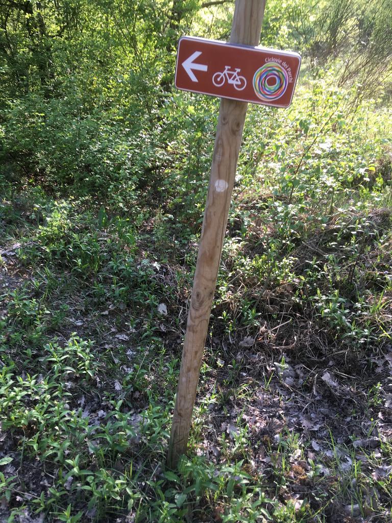 Bike + trail marker pics-img_0673.jpg