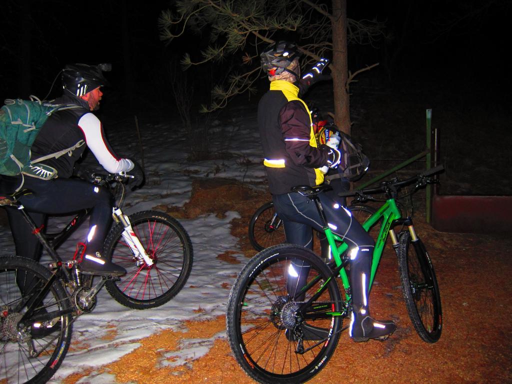 2/15/2012 night ride in the springs?-img_0748.jpg