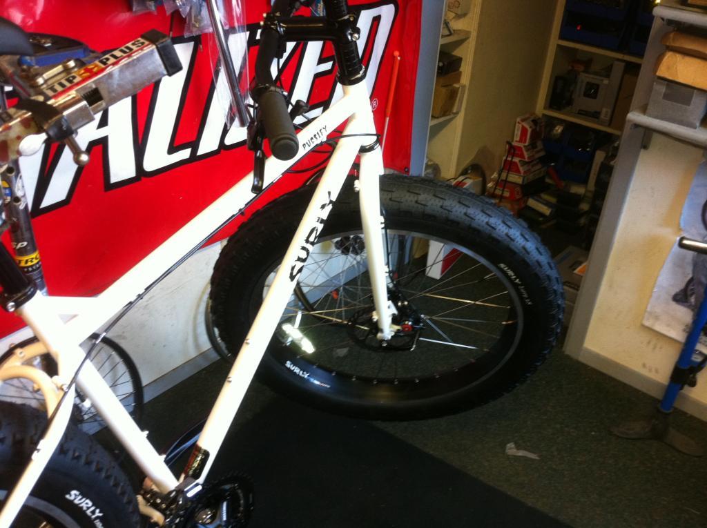 Dude that bike has fat tires....-img_0814.jpg