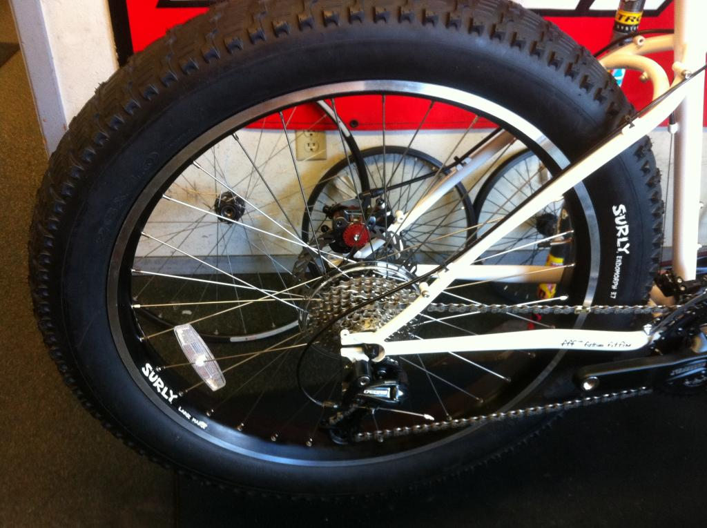Dude that bike has fat tires....-img_0816.jpg