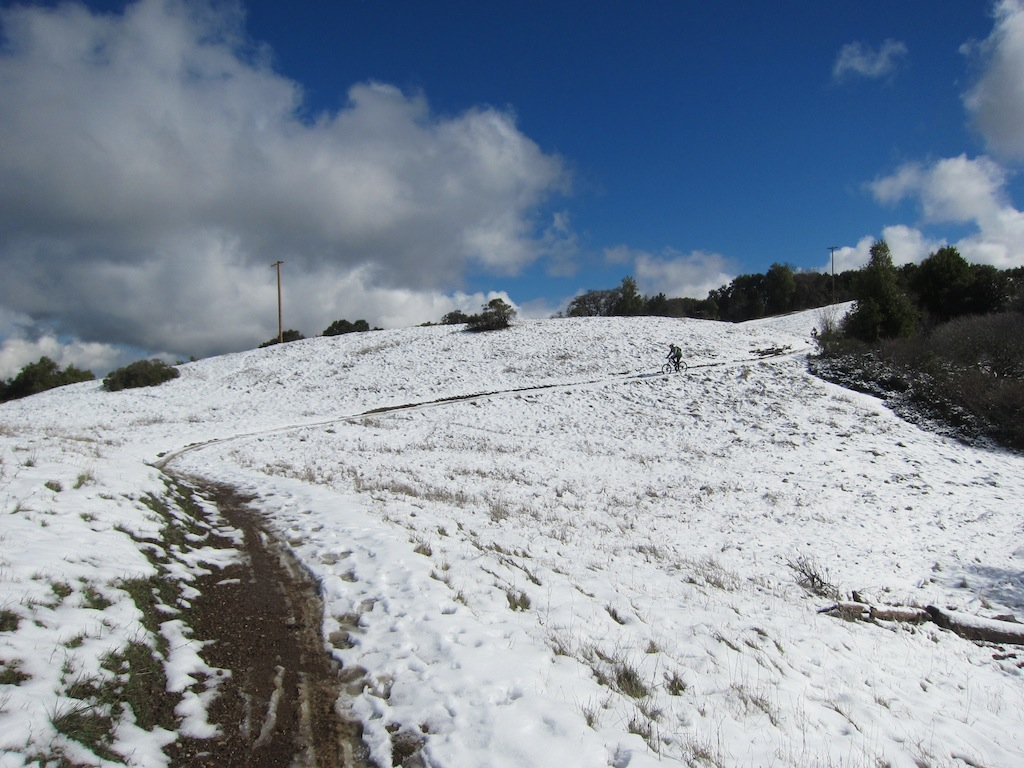Snow on top of Montebello-img_0950.jpg
