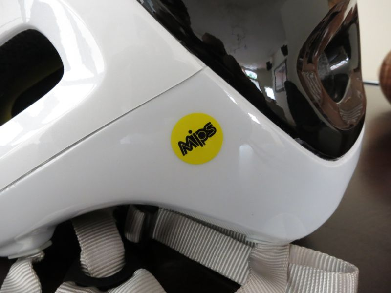 Poc Trabec Race or Trabec Race MIPS or Troy LEE a1 helmet-img_0975.jpg