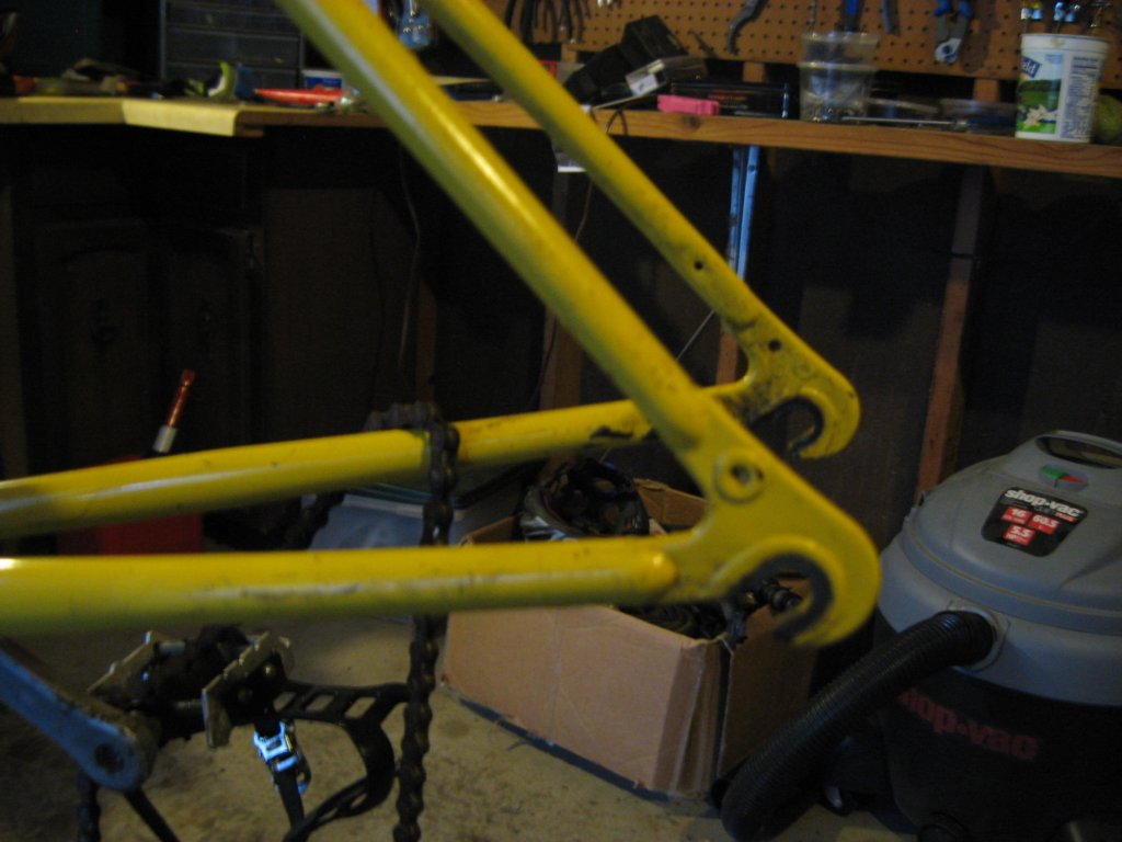 Mysterious 90s era steel frame and rigid fork, no derailleur hanger-img_1035.jpg