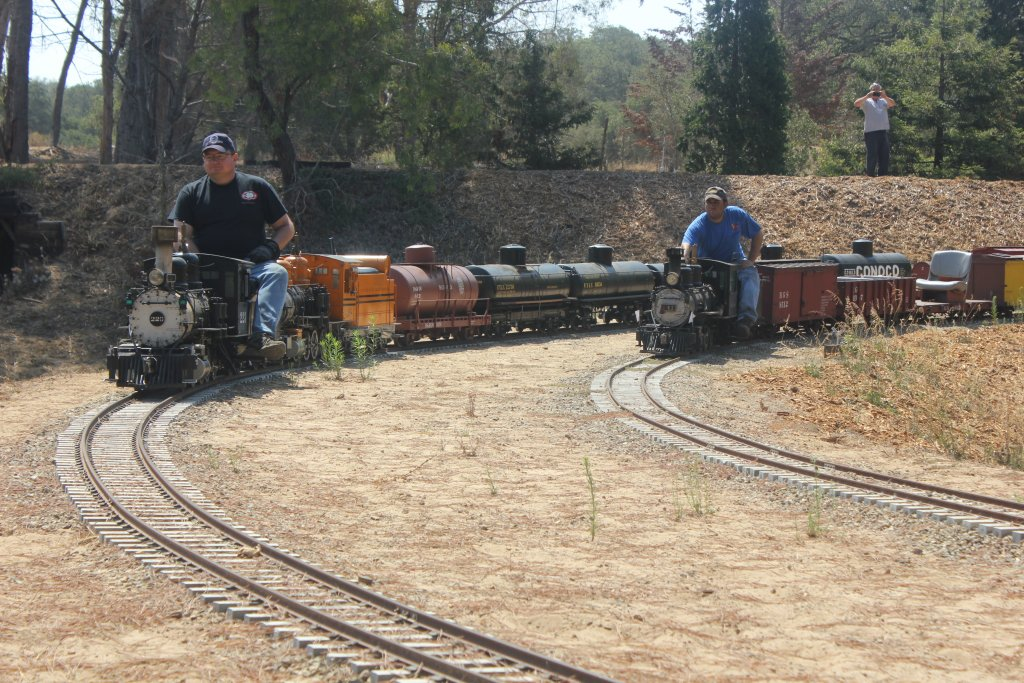 Who Likes Trains?-img_1055.jpg