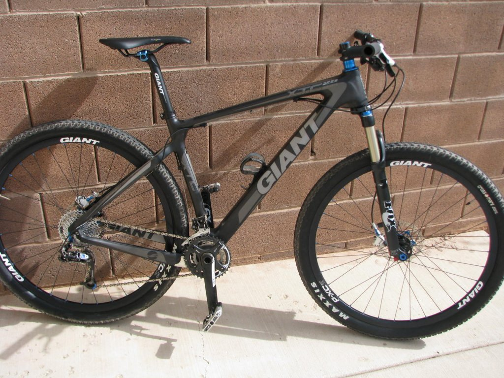 New Giant XTC Composite 29er 1- Mtbr.com