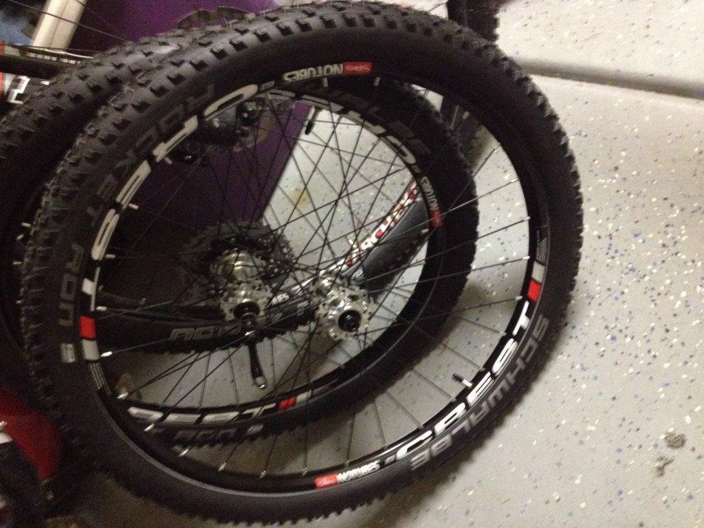 Stan's Crest Wheel Build-img_1072.jpg
