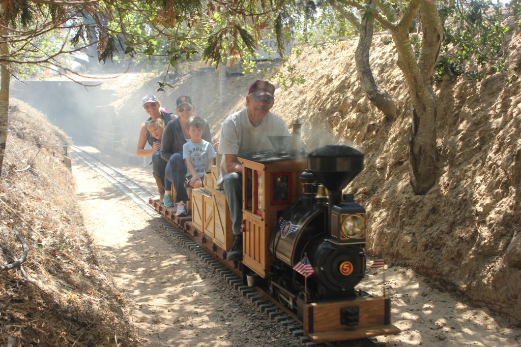 Who Likes Trains?-img_1102.jpg
