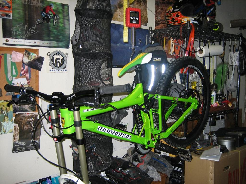 What Does your DH Bike Weight? Post' em Up ! !-img_1151_2.jpg