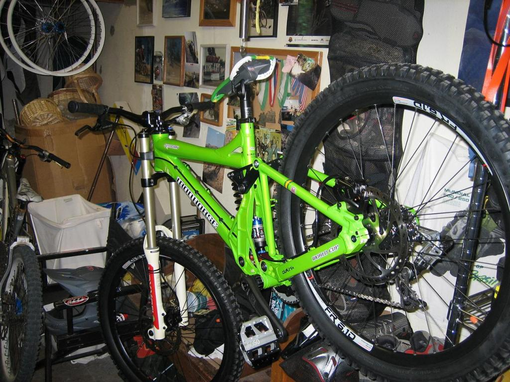 What Does your DH Bike Weight? Post' em Up ! !-img_1152_2.jpg